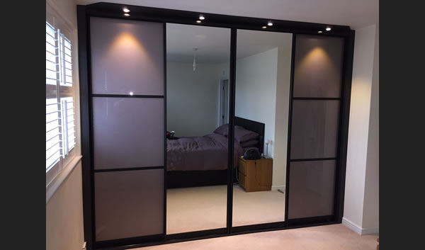 4 Sliding Doors Black Profile